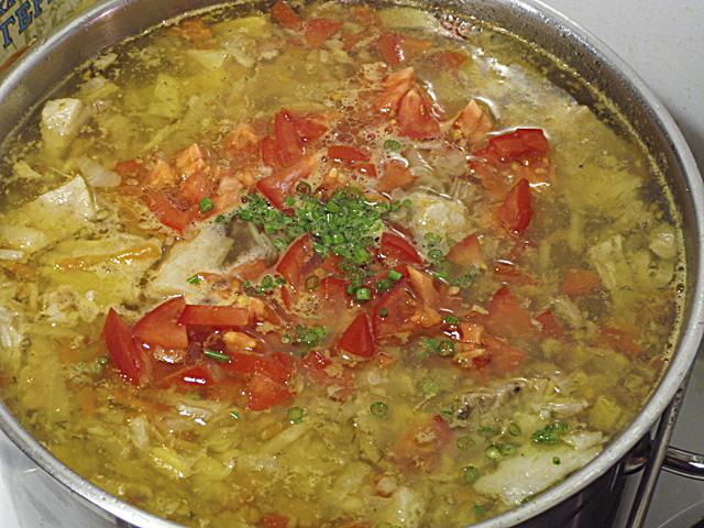 Щи из свежей капусты с помидорами рецепт