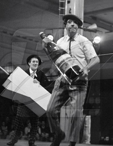 очень популярный, михаил шульгин клоун биография сантехника, фановые трубы