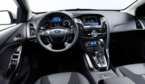 ford_focus_2011_new_int