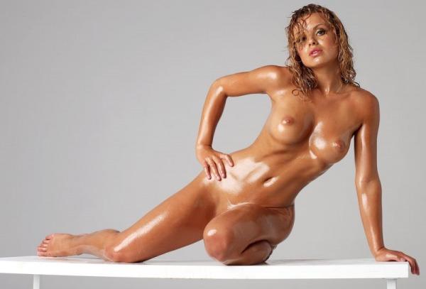 pokazat-golie-modeli