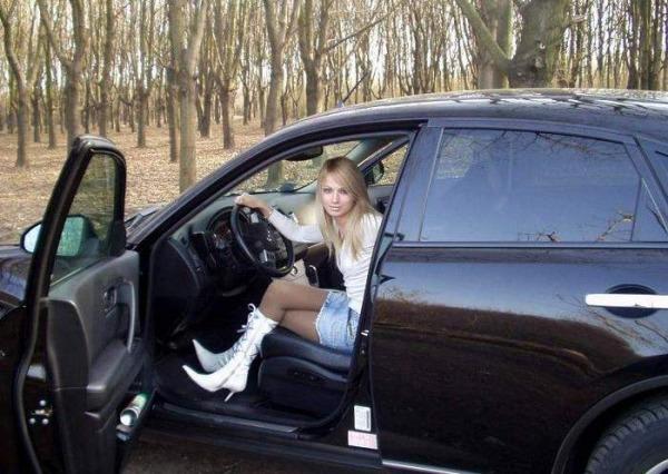 Ебут жен в машине видео времени