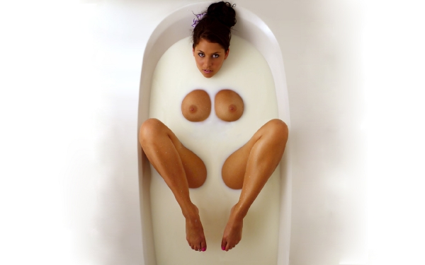 Фото голых женщин в ванной 3