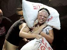 torontos pillow fighting league - 320×408